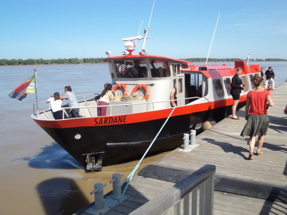 bordeaux-river-cruise-croisiere-sur-l-estuaire-de-la-gironde-blaye-la-sardane-800x600----blaye-tourisme