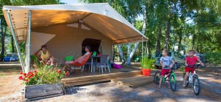 Bungalow Toilé Bali Camping Les Ourmes 800x 600