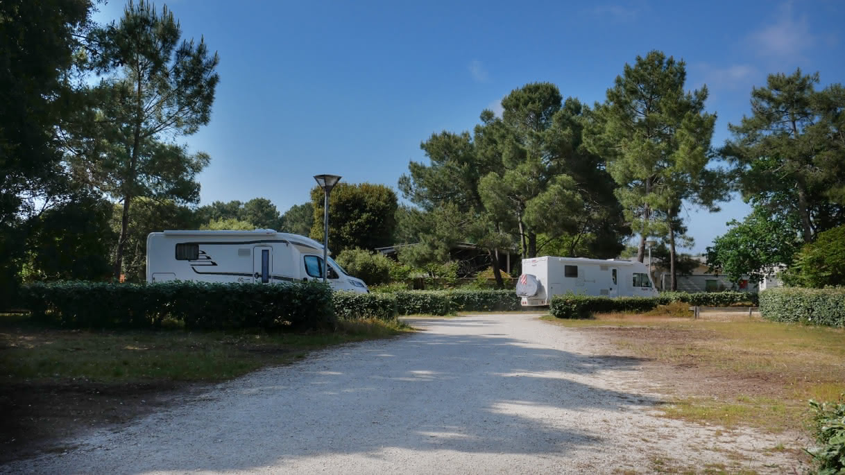 Aire de Camping Car le Huga (9) - Lacanau