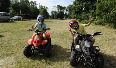 Funny-quad-camping-les-ourmes-4-etoiles-hourtin-lac-gironde
