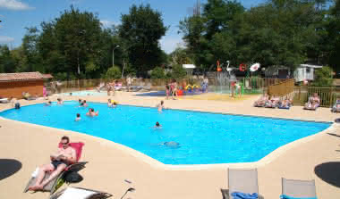 camping-les-ourmes-photo-piscine