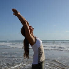 thumbnail_photo vitrine yoga sur mer